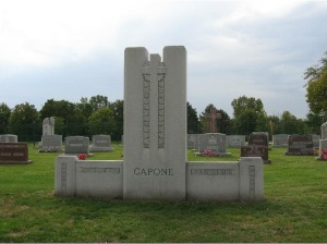 A more recent image of Capone's grave - Photo from VirtualTourist.com