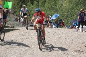 Rebecca Rusch barreling through Twin Lakes aid station